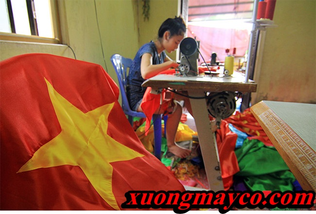gia_dinh_co_4_the_he_may_co_to_quoc_8_jomy