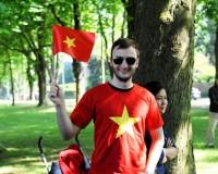 Áo cờ việt nam – Đặc sản du lịch