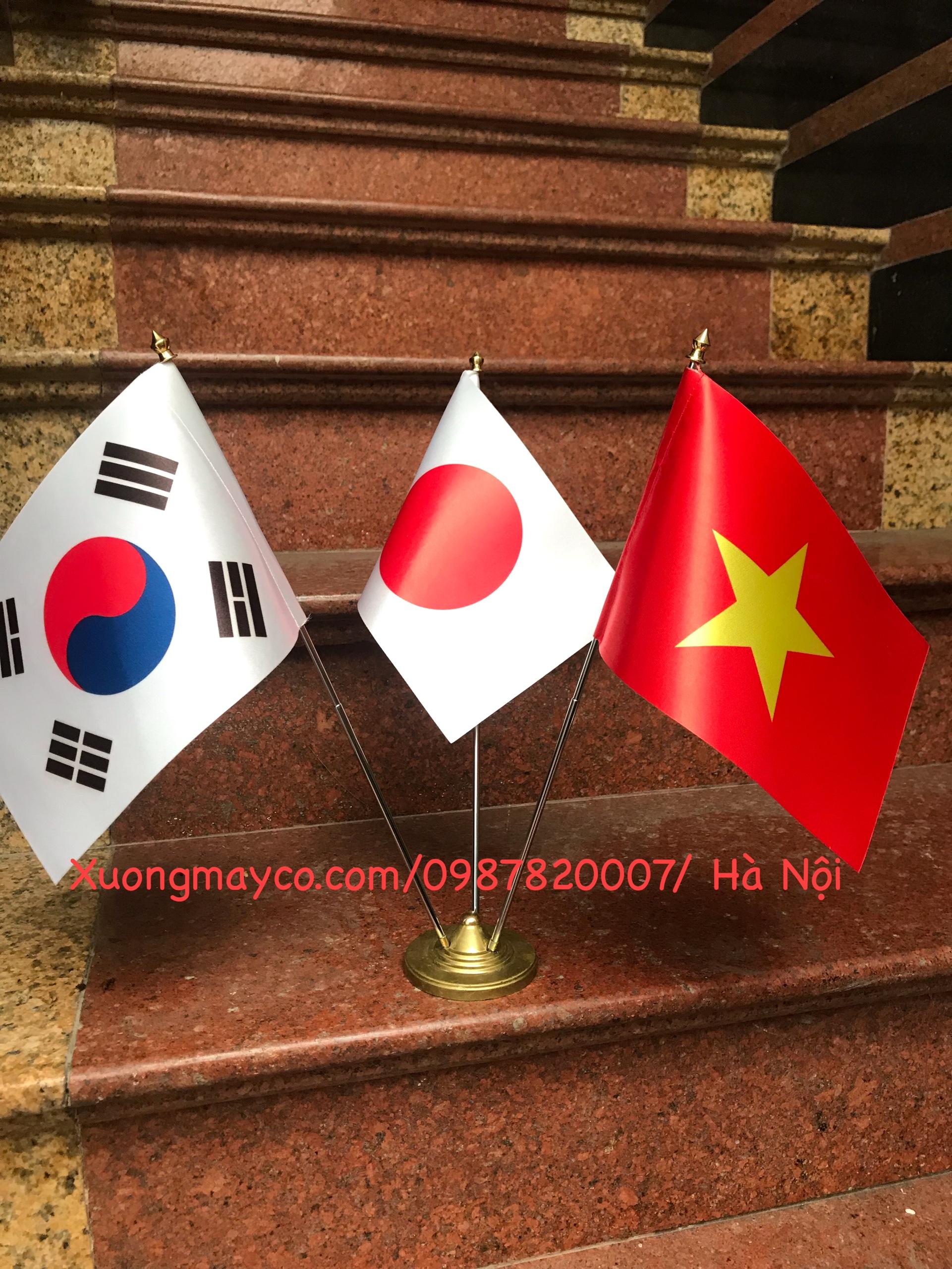 Bán cờ để bàn làm việc ở Hà Nội